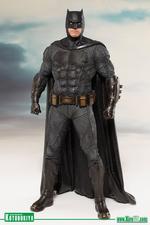 Justice League: Batman 1/10 Statue