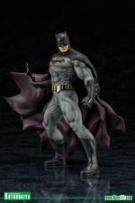DC Comics: Batman Rebirth ARTFX+ Statue